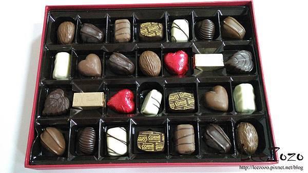 CORNI巧克力禮盒 (1).jpg