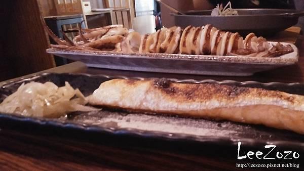 大樂串燒 魷魚.鮭魚肚.jpg