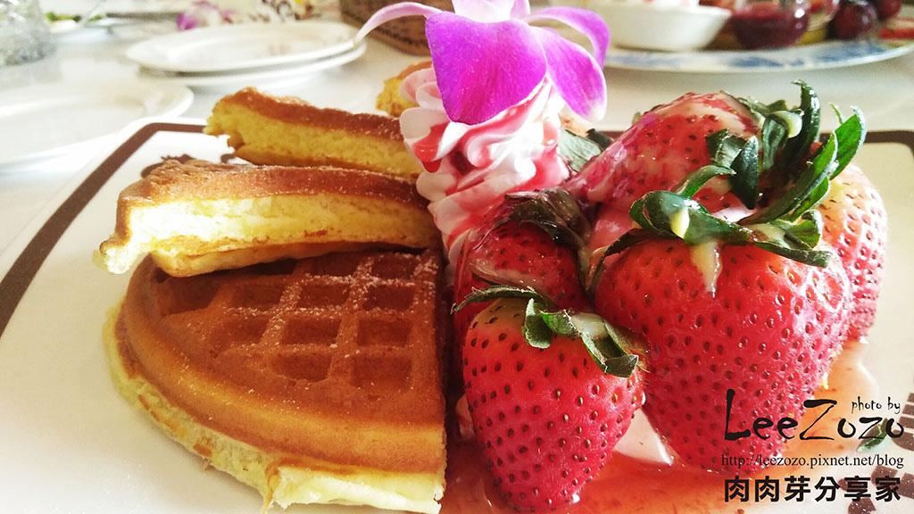 草莓鬆餅 (1).jpg