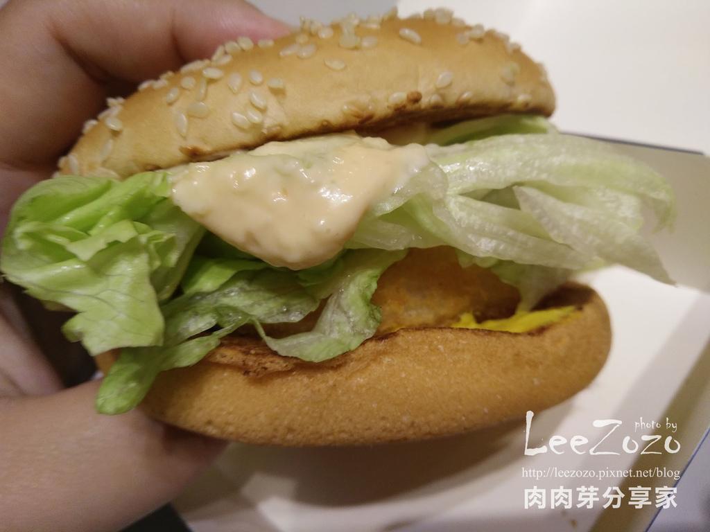 麥當勞千島黃金蝦堡(1).jpg
