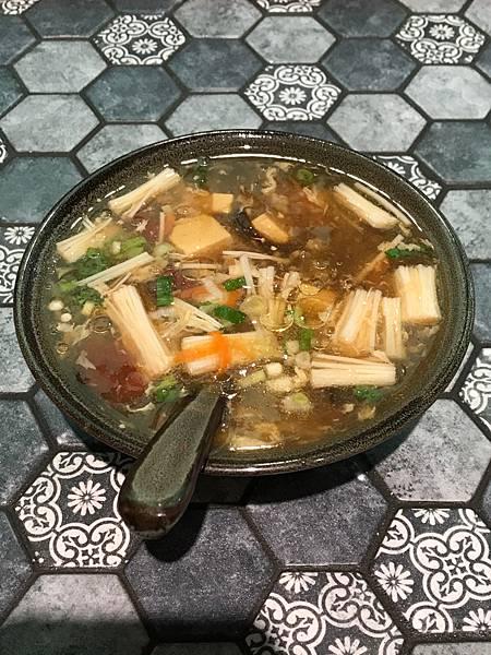新竹 金山街日常 做食艷脆皮煎餃 80元