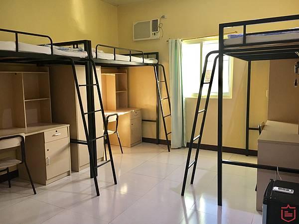 IDEA Cebu校內宿舍三人房.jpg