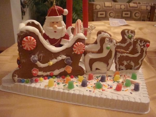 嘻嘻哈哈做了1個多小時,才完成聖誕老公公,雪橇及麋鹿.JPG