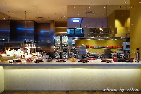 kitchentable29.JPG
