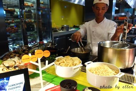 kitchentable33.JPG