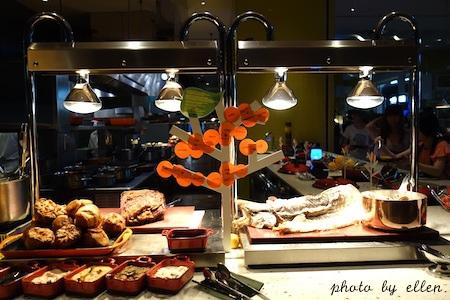 kitchentable34.JPG
