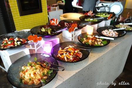 kitchentable48.JPG
