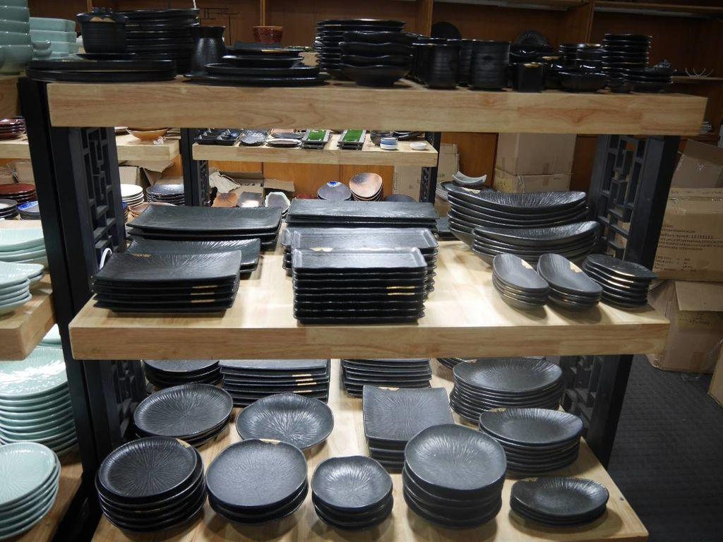 聖誕大餐食譜%26;居家聖誕布置%26;以金源成陶瓷展覽館整組餐具組呈現6.jpg