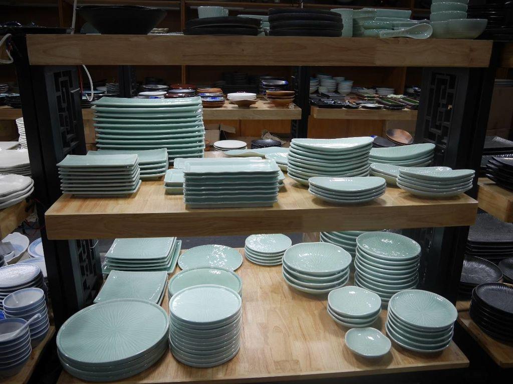 聖誕大餐食譜%26;居家聖誕布置%26;以金源成陶瓷展覽館整組餐具組呈現9.jpg
