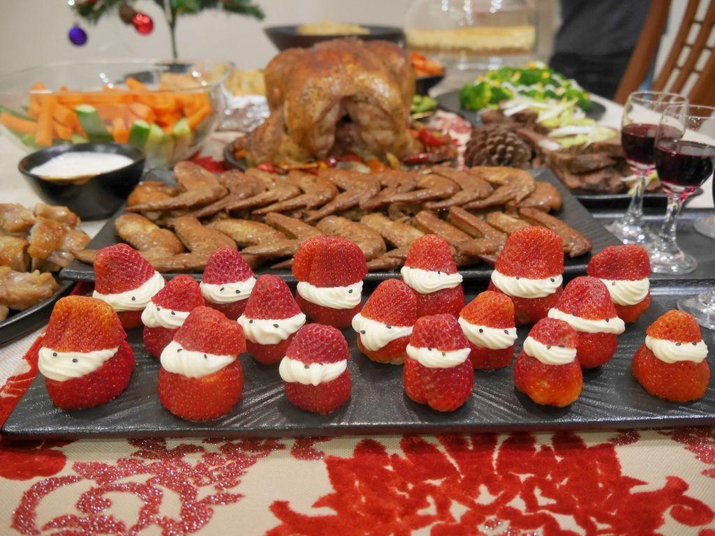 聖誕大餐食譜%26;居家聖誕布置%26;以金源成陶瓷展覽館整組餐具組呈現16.JPG