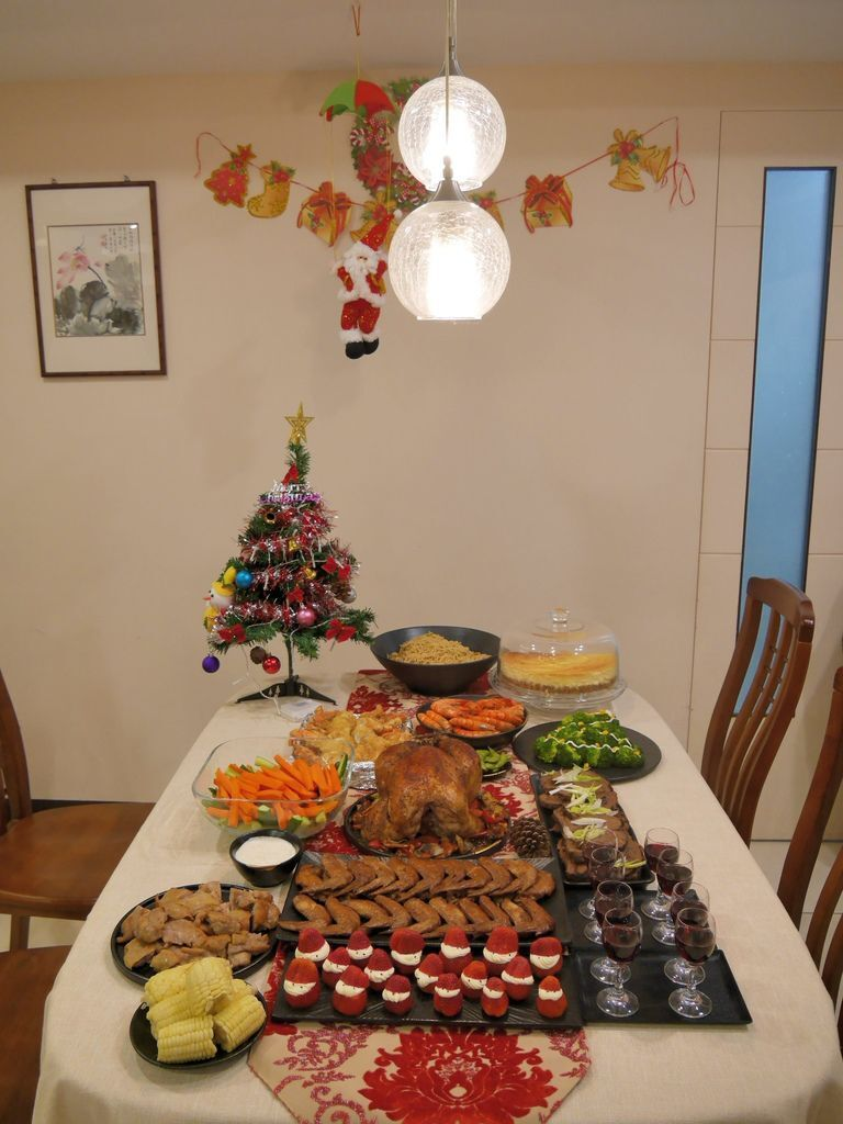 聖誕大餐食譜%26;居家聖誕布置%26;以金源成陶瓷展覽館整組餐具組呈現22.JPG