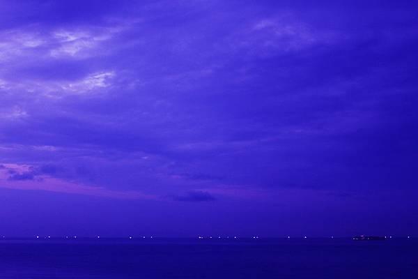 夜晚的海上公路1