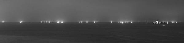 夜晚的海上公路2