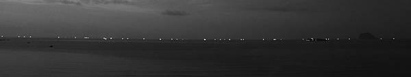 夜晚的海上公路4