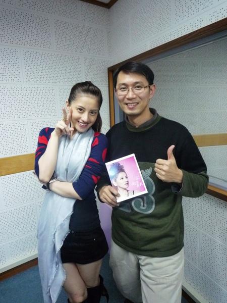 Lena和漢聲電台主持人:宋銘