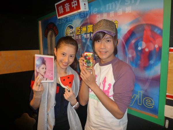Lena和亞洲電台主持人:李岳(西瓜哥哥)