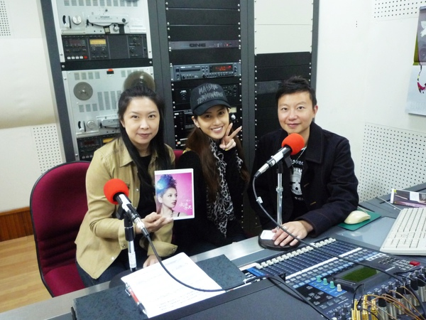 Lena和中央電台主持人:志薏+冠佑