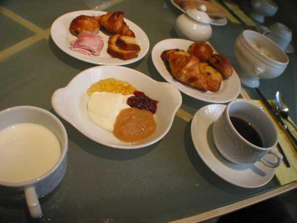 莊園的早餐~吃不完的麵包