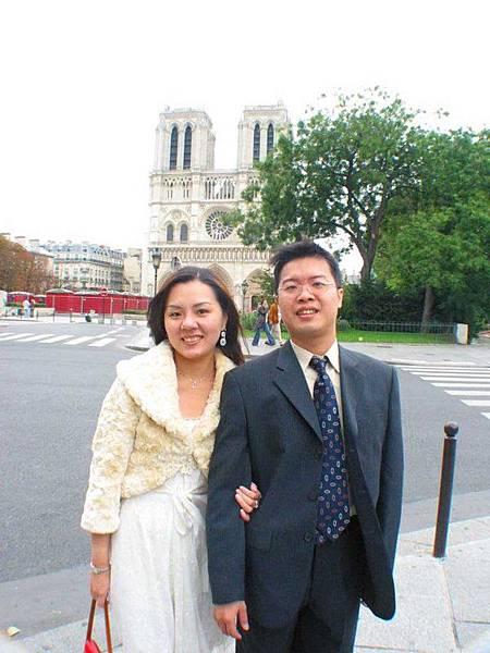 巴黎聖母院~著名景點,聽過鐘樓怪人吧..
