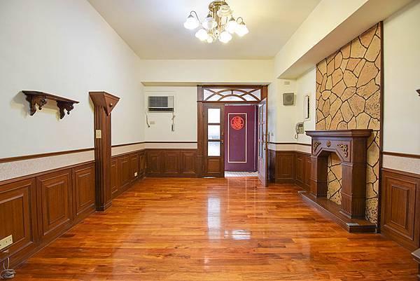 [售]台中市南區德富路-長億南園社區超值3房2廳2衛$598萬