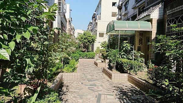 [售]台中市南區復興路二段-中山醫名人村花園社區透天別墅1380萬