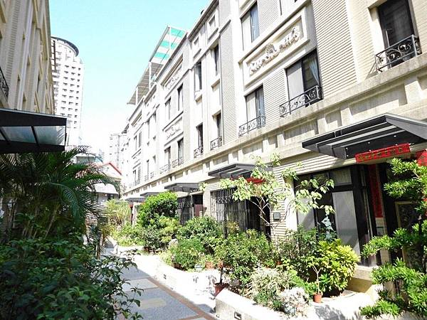 台中市南區大慶街一段/寶鴻大慶5房3廳3衛2098萬