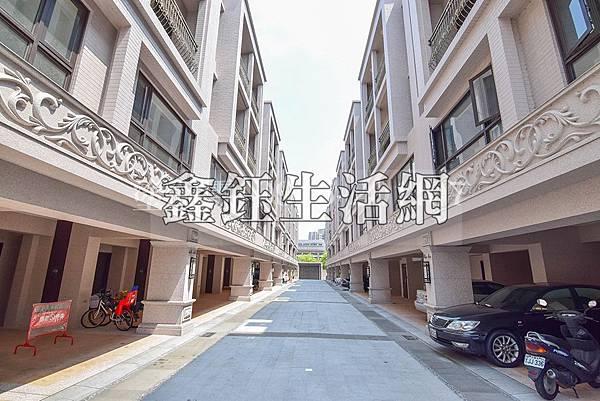 台中市南區大慶街一段/寶爵綻美5房3廳4衛全新5房別墅2680萬