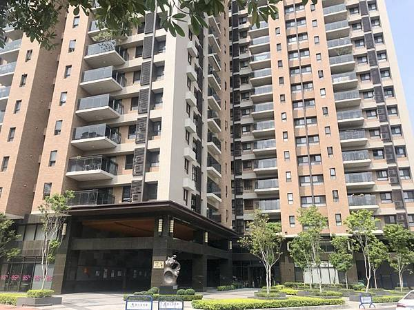 [售]台中市南區南和路/總太春上/高樓層三房平車1250萬