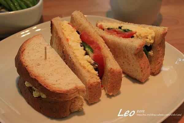野菜蛋沙拉三明治