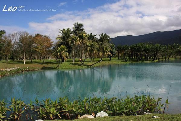 夢幻湖中的雲山水