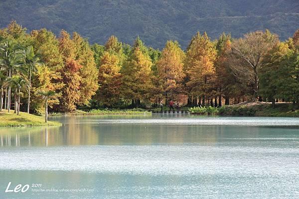 夢幻湖中的雲山水 (1)