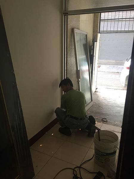硫化銅門安裝 (3).JPG