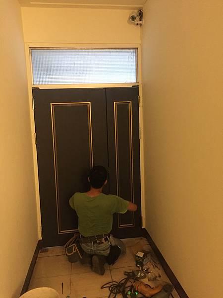 硫化銅門安裝 (12).JPG