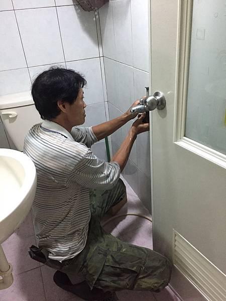 王派宏-學校老師沒教的賺錢秘密-房地產賺錢筆記(1).JPG