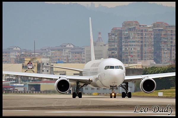 JAL_JA652J_JL098_HND_01.jpg