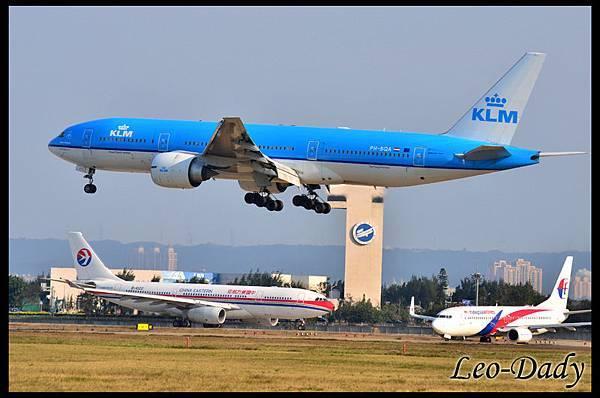 KLM_PH-BQA_KL807_AMS_08.jpg