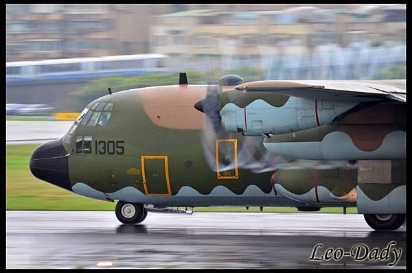 RCAF_1305_C624.jpg