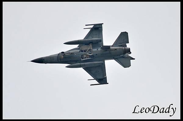 RCAF_F-16_03.jpg