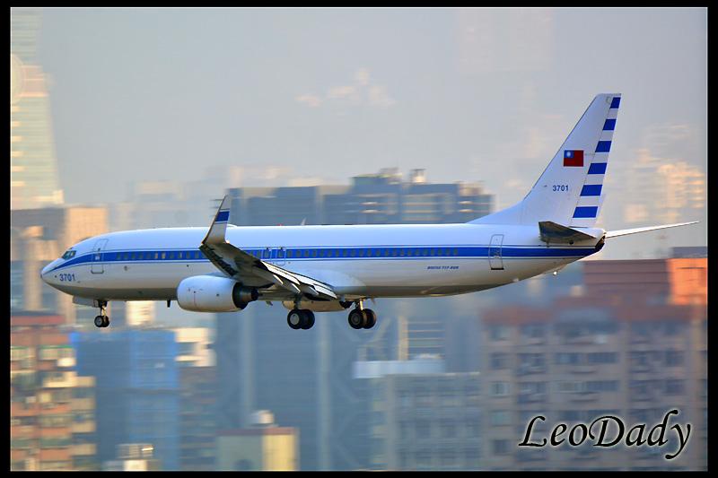 RCAF_3701_C671_04.jpg