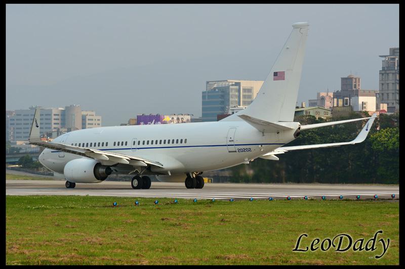 USAF_02-0202_Boxer41_EDF_24.jpg