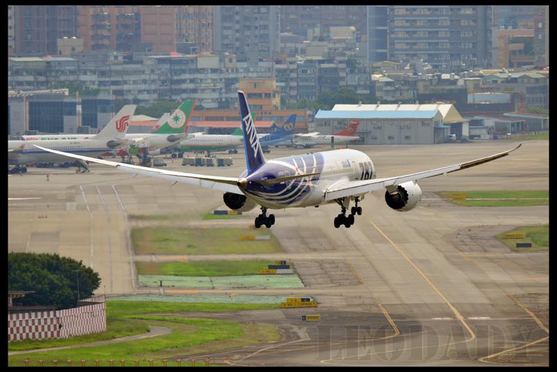 ANA_JA801A_NH853_HND_09.jpg