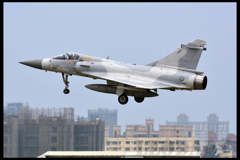 RCAF_2042_17.jpg