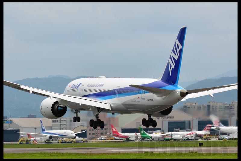 ANA_JA838A_NH851_HND_05.jpg