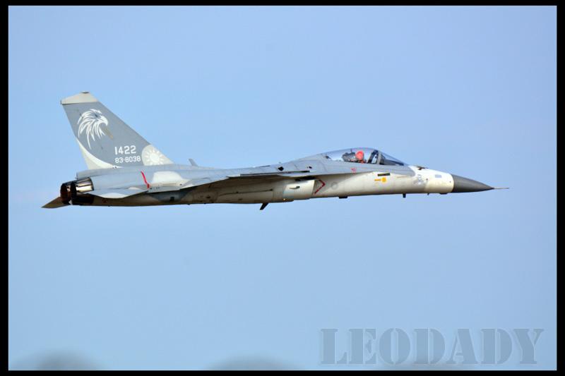 RCAF_1422_01.jpg