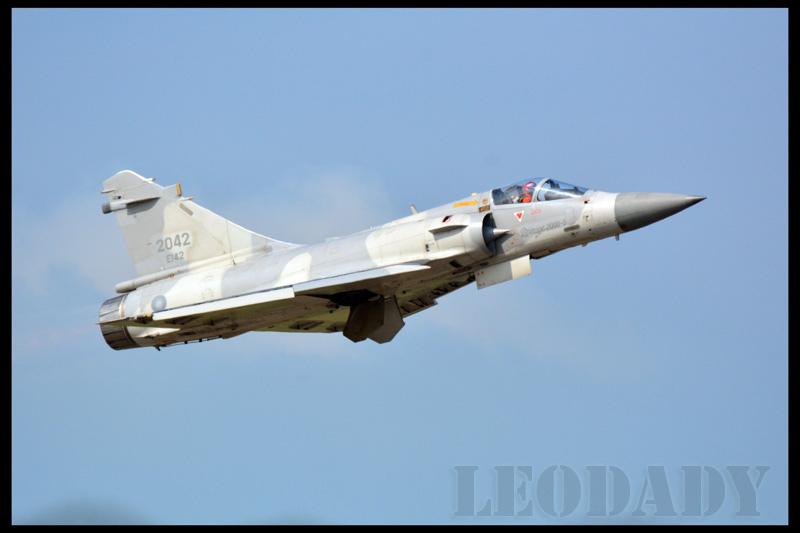 RCAF_2042_01.jpg