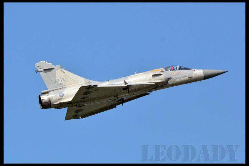 RCAF_2042_05.jpg