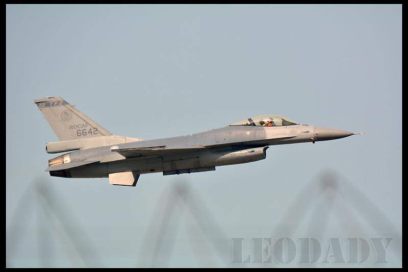 RCAF_6642_01.jpg