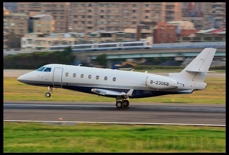 Avanti_B-23068_TSA_04.jpg
