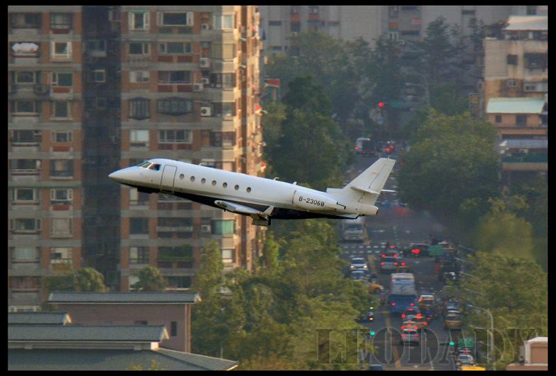 Avanti_B-23068_TSA_01.jpg