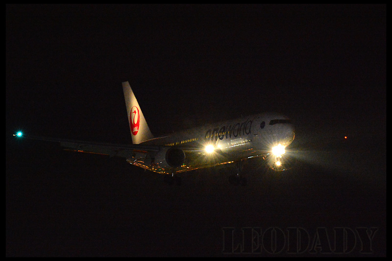 JAL_JA604J_JL99_HND_02.jpg